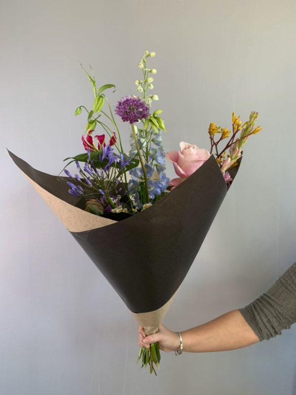 Foto van een wekelijks een boeket, zonder vaas, in ons bloemen abonnement