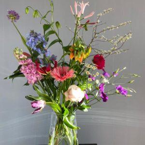 Plukboeket met gemengde duurzame bloemen