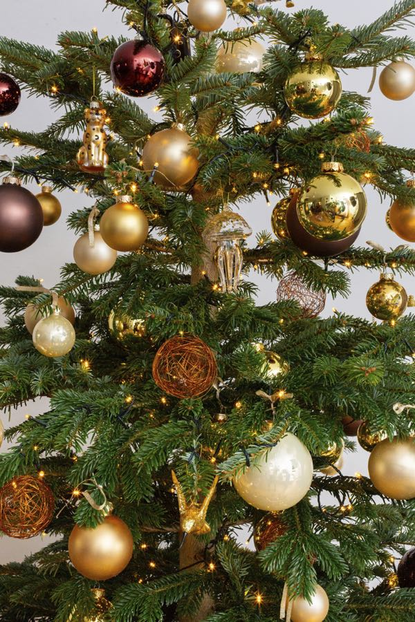 Decorated Christmas tree with bronze and gold. (Size S)