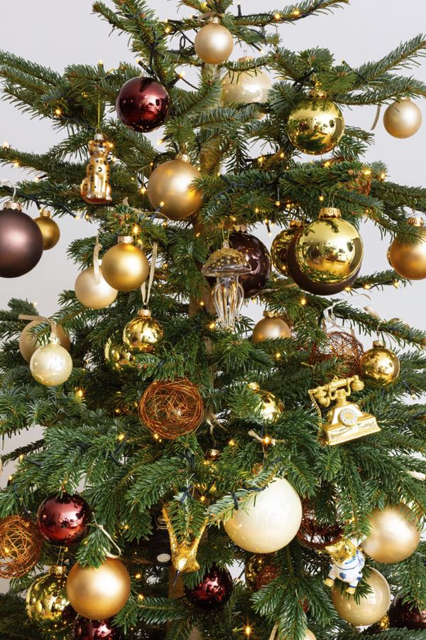 Decorated Christmas tree with bronze and gold. (Size M)