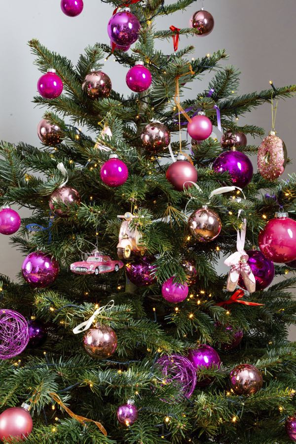 Decorated Christmas tree with pink colors. (Size M)