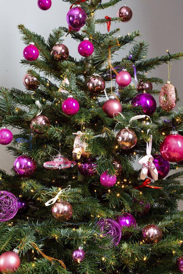 Versierde kerstboom met Roze kleuren. (Maat M)